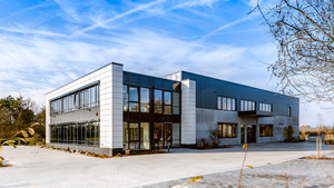 The new corporate building of CS Instruments in Harrislee (North of Germany).)